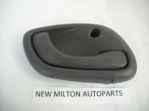 SUZUKI WAGON R   ALTO  AND CARRY VAN INTERIOR DOOR HANDLE LEVER O/S RIGHT UK DRIVERS SIDE